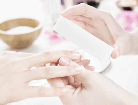 Paznokcie i dłonie